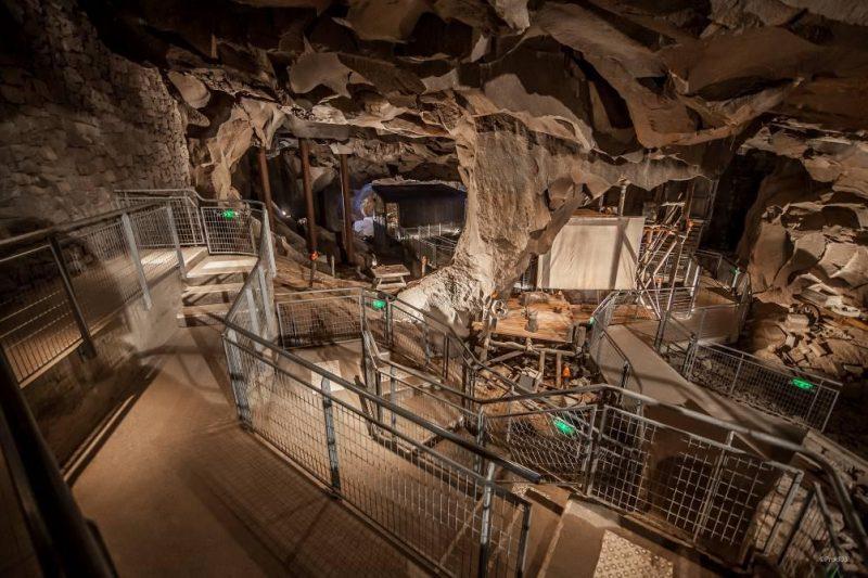 visite de la grotte de la pierre de Volvic